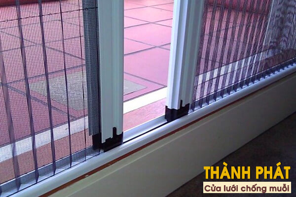 Lắp đặt cửa lưới chống muỗi cho khách sạn